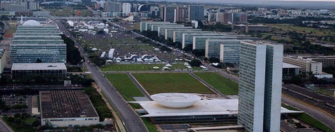 Vazamento de diálogos envolvendo autoridades põe Brasília em alerta