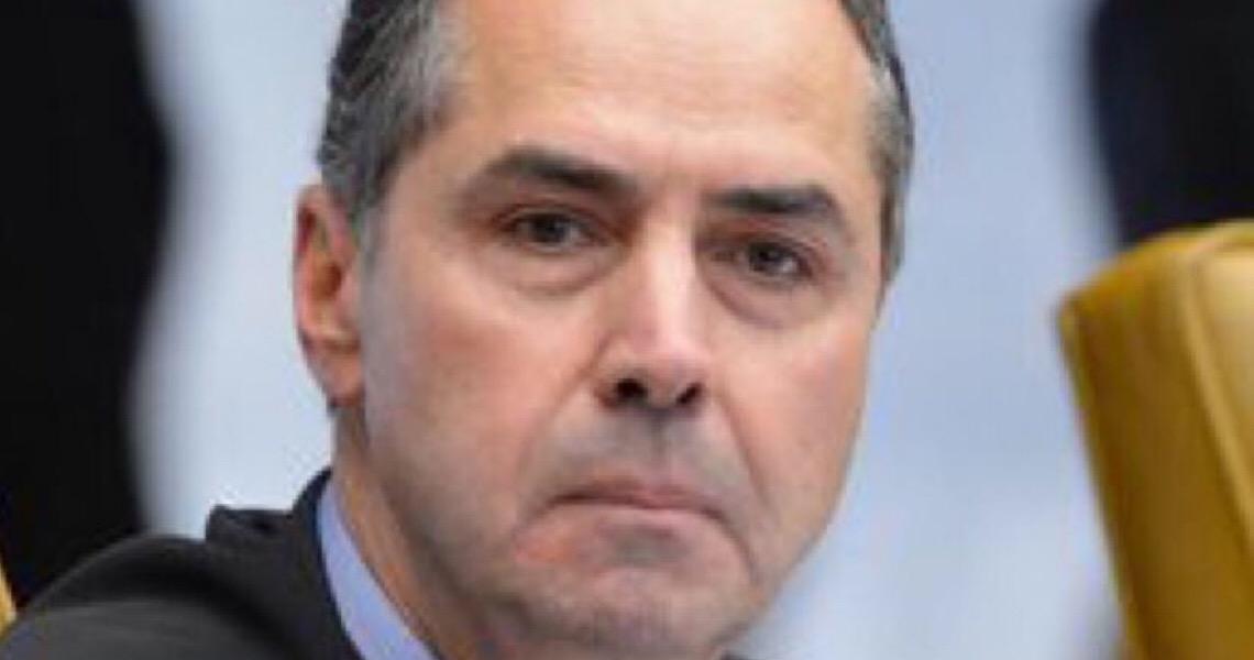 Luís Roberto Barroso proíbe que Bolsonaro faça campanha para população furar isolamento