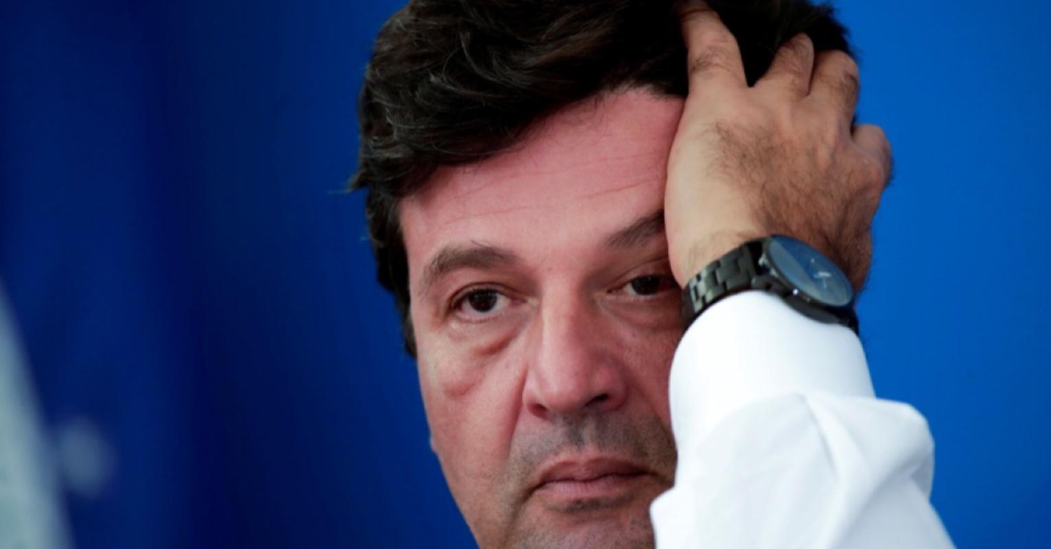 Henrique Mandetta diz que dormia e não viu Jair Bolsonaro falar sobre canetada