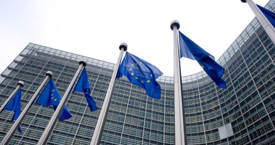 Chefe do principal organismo de ciência da UE renuncia e critica reação do bloco