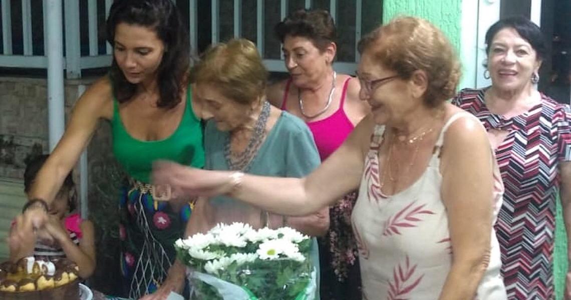 Idosa de 103 anos que venceu a gripe espanhola ajuda no combate ao coronavírus em SP