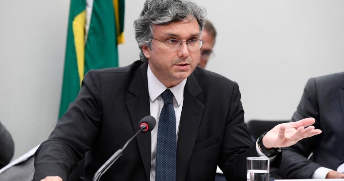 Greenfield denuncia assessor de Guedes e executivos do Funcef, Petros e Previ por improbidade