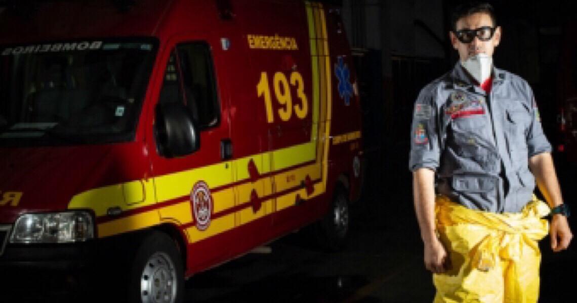 'Tenho medo, mas tenho um dever', conta bombeiro
