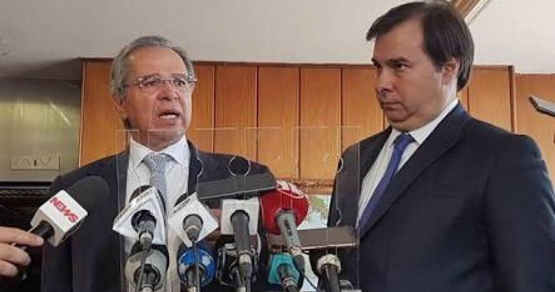 Além de Mandetta, outro problema para Bolsonaro: choque entre Maia e Guedes