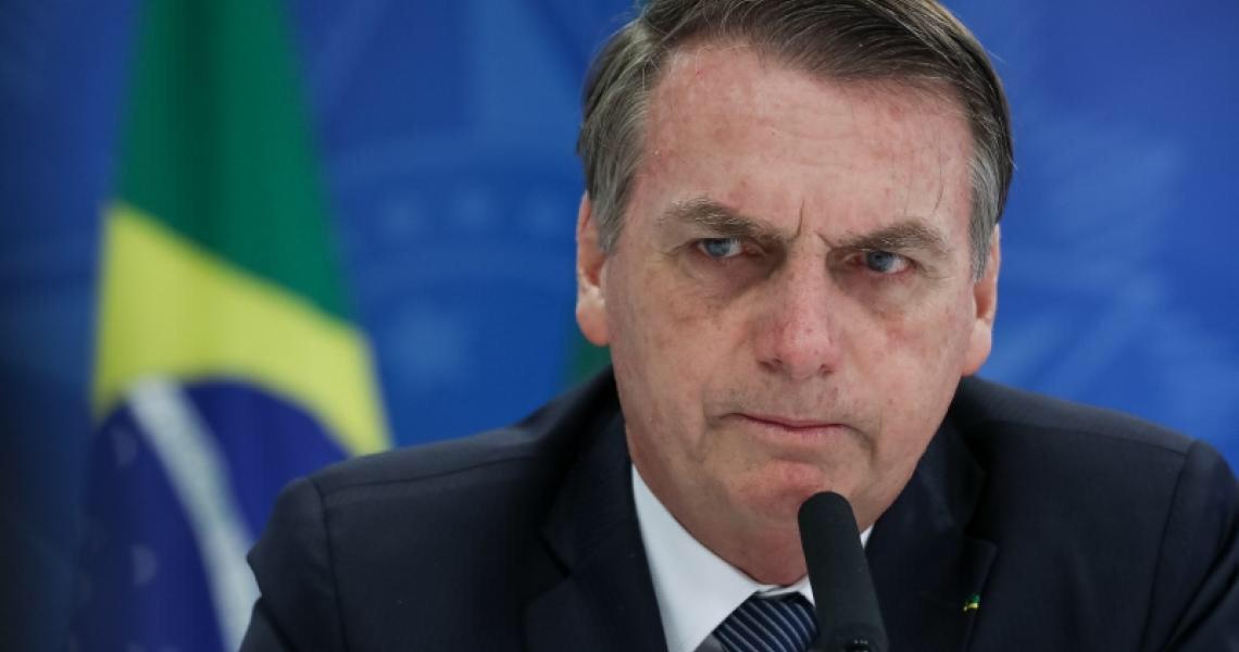 Bolsonaro é o líder que mais ameaça vidas ao minimizar coronavírus, diz jornal