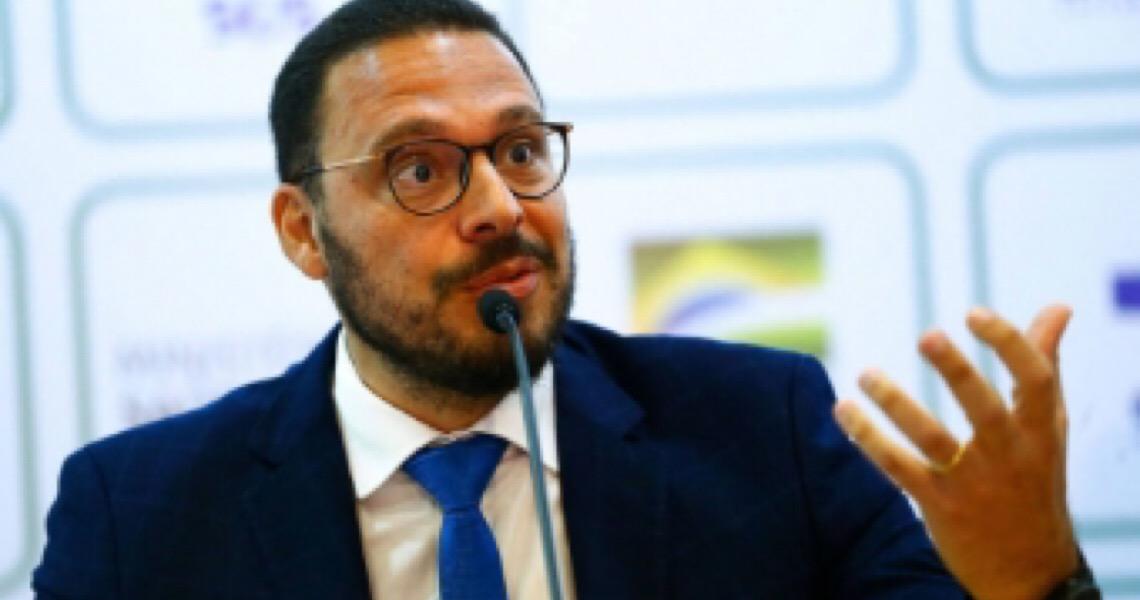 'Não quis ser responsável por ação equivocada', diz médico que deixou governo por apoiar quarentena