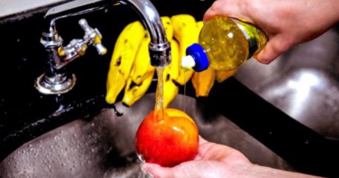 Aprenda a forma correta de higienizar frutas, verduras, legumes e embalagens
