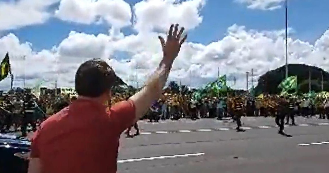 Se quiser dar um golpe, Jair Bolsonaro dará sozinho