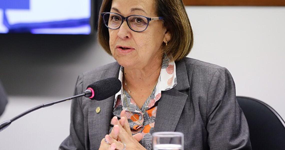 Se não quer investigar, é suspeito, diz relatora da CPMI das Fake News sobre Eduardo Bolsonaro