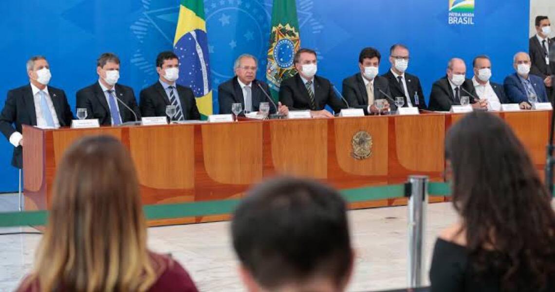 Jair Bolsonaro a ministros: 'Acabou porteira fechada'