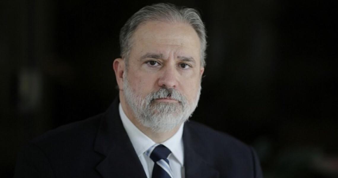 Augusto Aras pede investigação ao STF após declarações de Moro