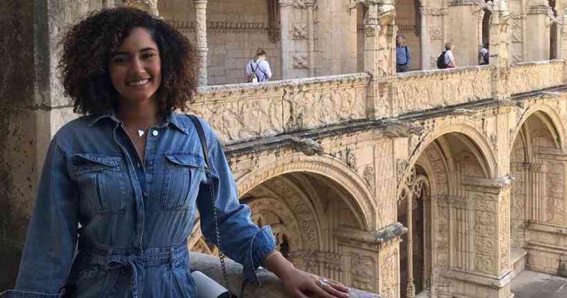 Dançarina brasileira pede socorro para voltar da Turquia