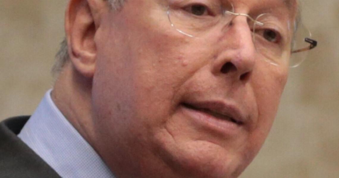 Celso de Mello abre inquérito para investigar declarações de Moro contra Bolsonaro