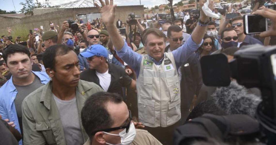 Covid-19: Justiça dá 48h para Bolsonaro divulgar laudos de exames