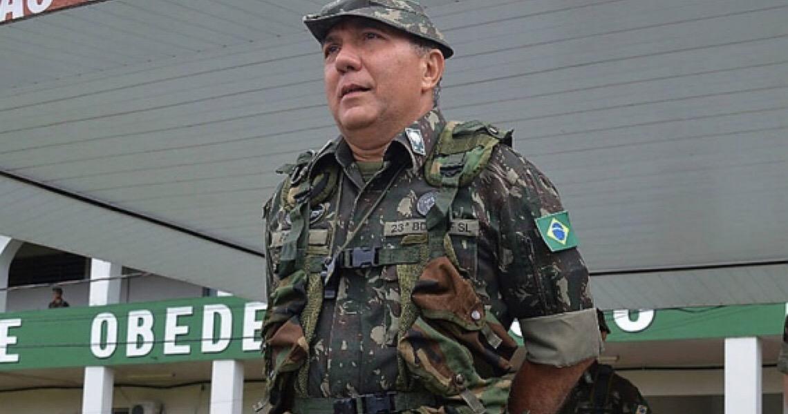 General exonerado após decretos sobre rastreamento de armas diz que buscou