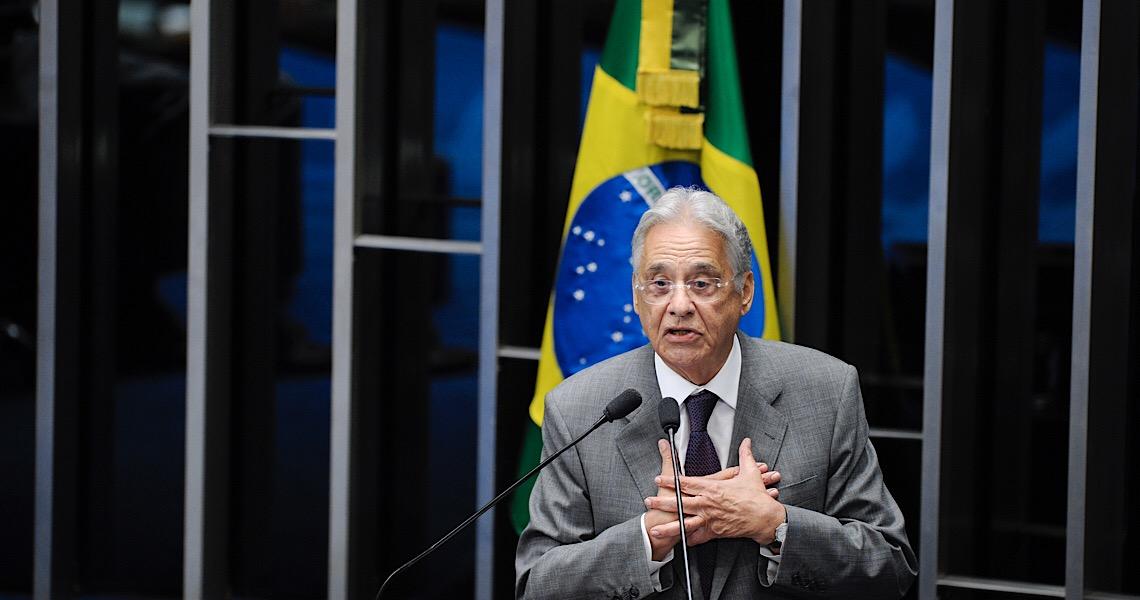 FHC volta a defender renúncia de Bolsonaro: