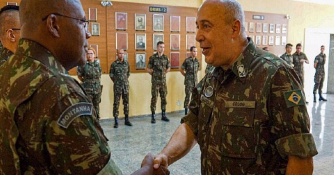 Exército admite que revogou portarias de controle de armas por pressão do governo