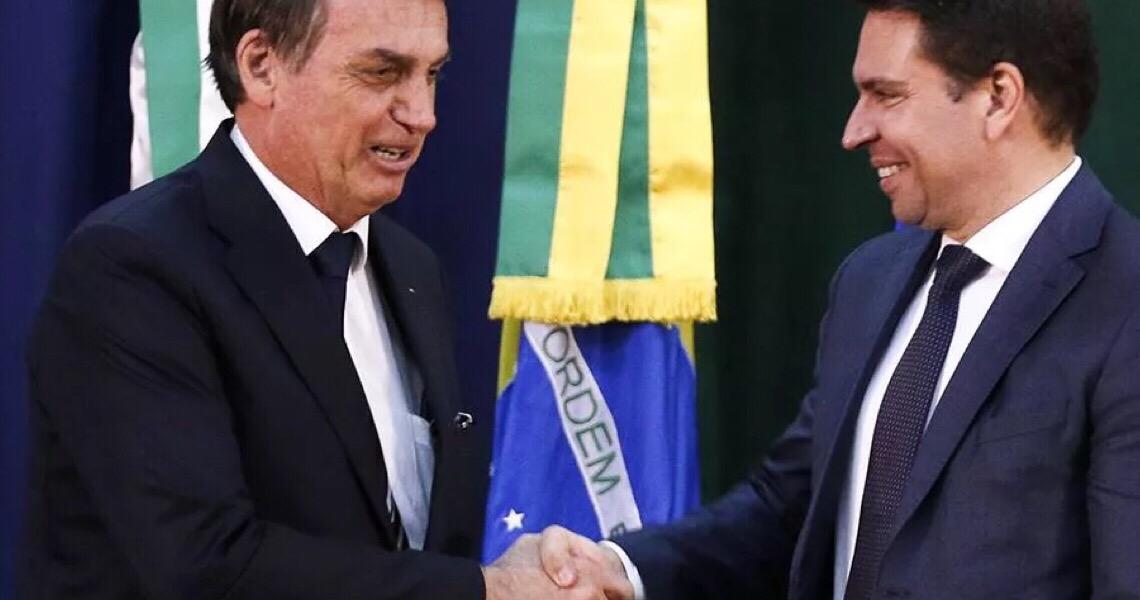 Contrariando AGU, Bolsonaro diz que vai recorrer para empossar Ramagem: