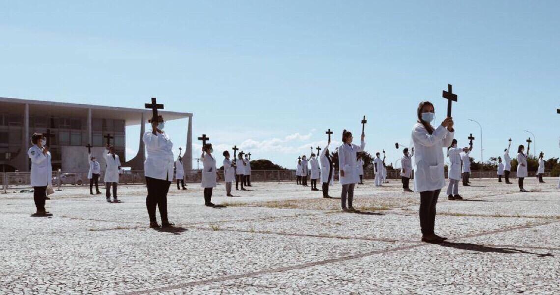 Coren processará apoiadores de Bolsonaro que insultaram enfermeiros no DF