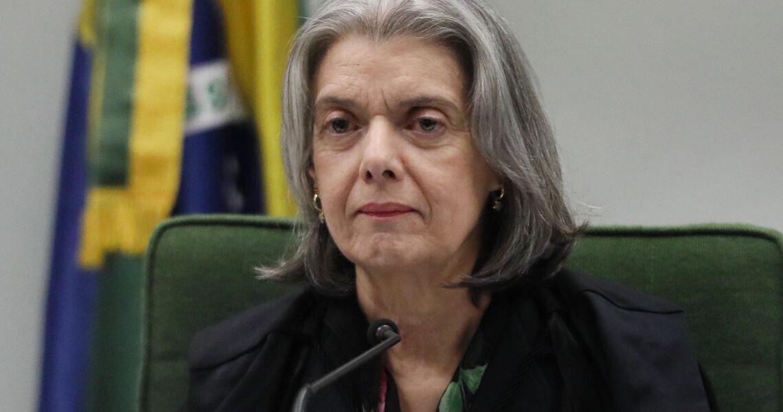 Cármen Lúcia repudia ataques em ato bolsonarista