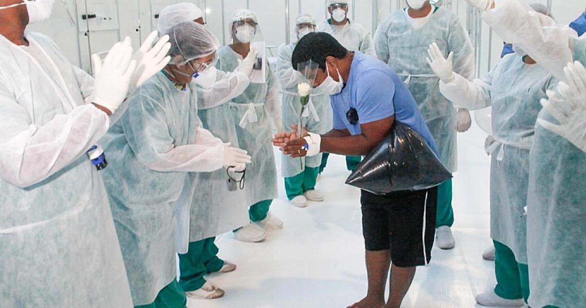 Brasil registrou 296 mortes decorrentes do novo coronavírus nas últimas 24 horas