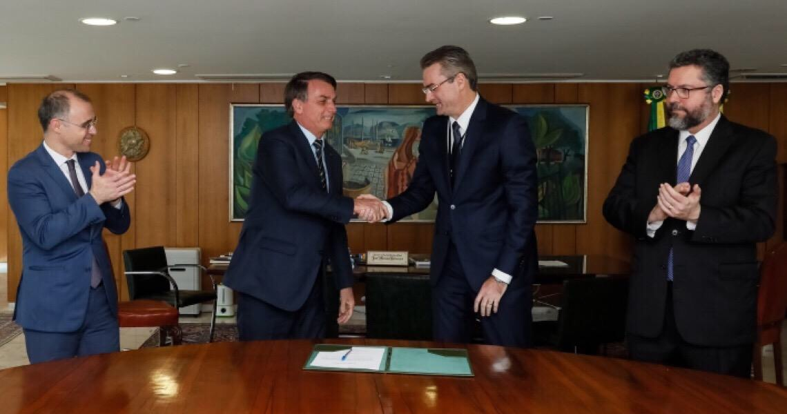 Justiça do DF dá 72 horas para governo apresentar informações sobre troca na PF