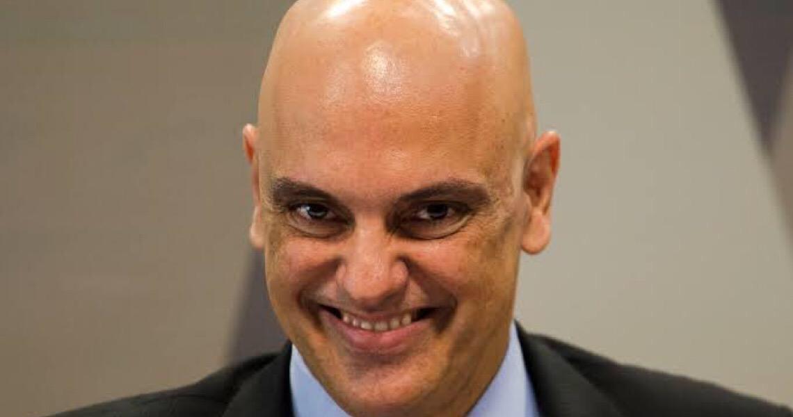 Alexandre dá dez dias para Bolsonaro explicar recondução de Ramagem para Abin