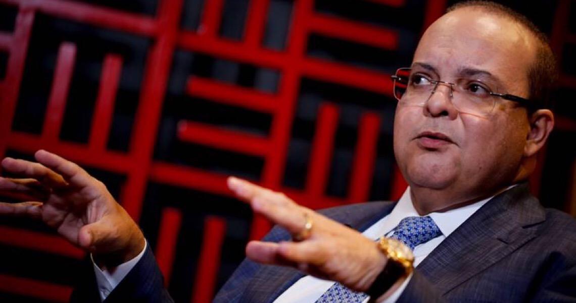 Ibaneis Rocha adia para 18 de maio a reabertura do comércio no DF