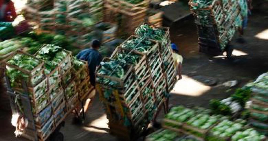 Preços mundiais de alimentos caem acentuadamente em abril