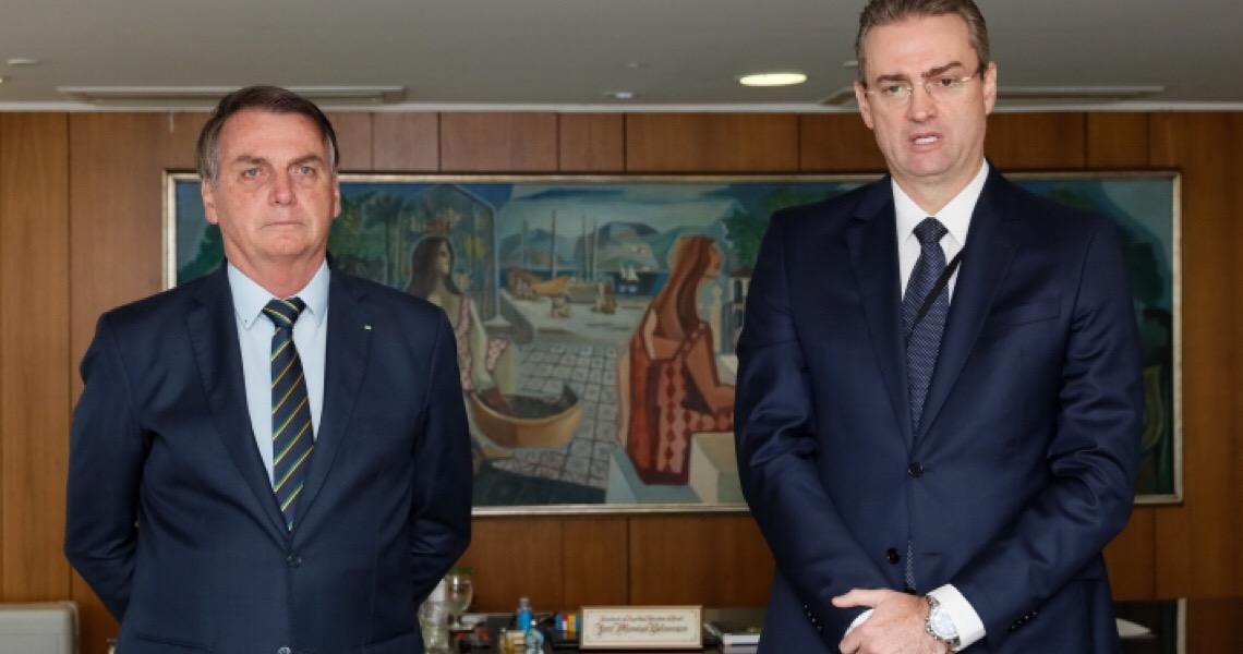 Enquanto Bolsonaro insiste em Ramagem, novo chefe da PF diz que 'crime não retrocede' e que vai combater a corrupção
