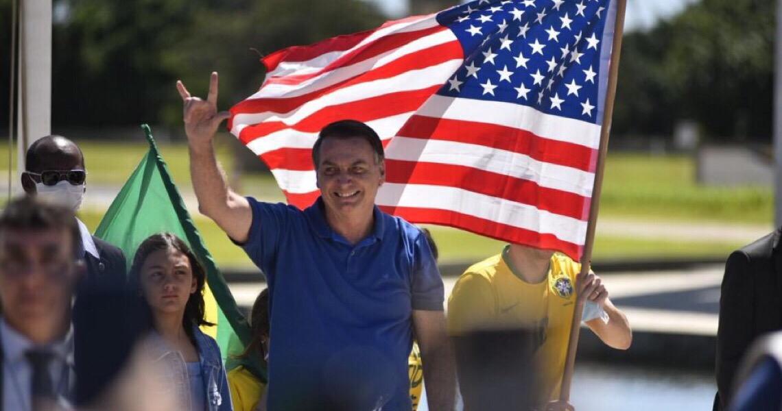 Com 31 pedidos de impeachment, Jair Bolsonaro supera Collor, Itamar e FHC