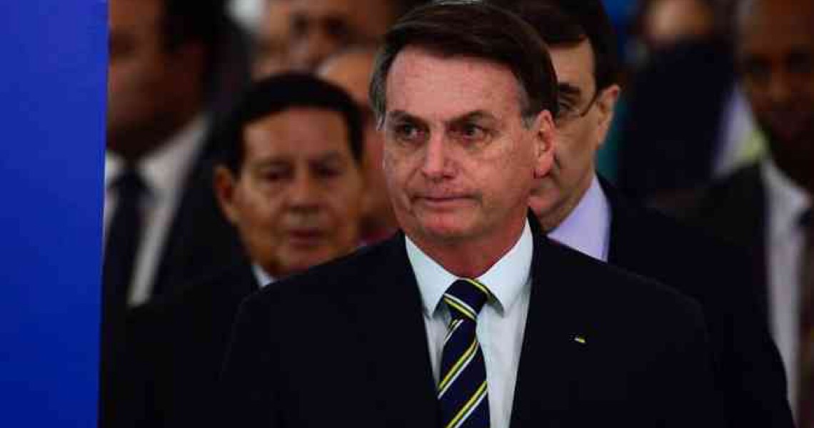 Contrário às regras de isolamento, Bolsonaro fará festa neste sábado, no Palácio da Alvorada