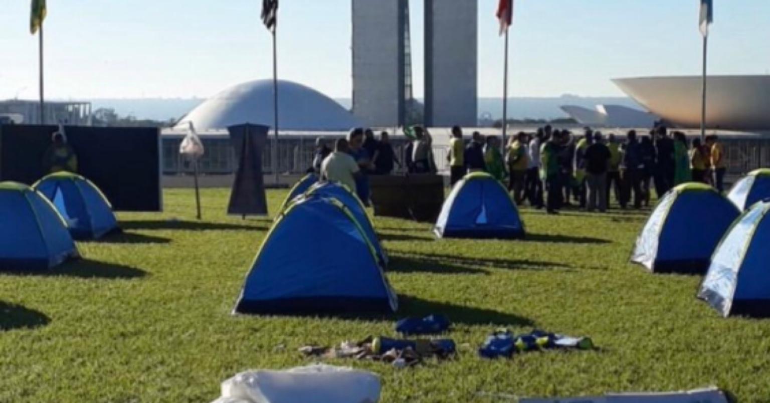 Grupo bolsonarista treina militantes em Brasília