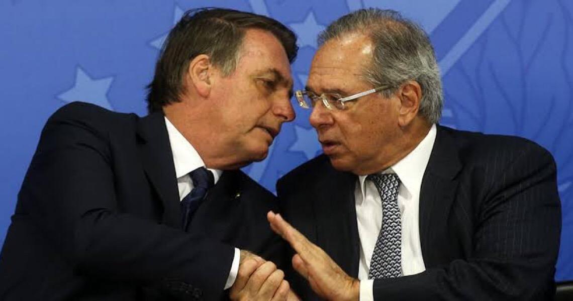 Bolsonaro se agarra a Guedes para lavar as mãos na crise econômica