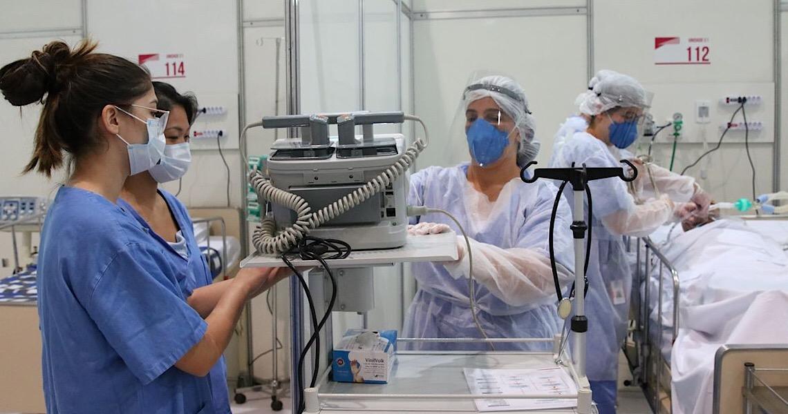 Médicos residentes dizem que estão sem receber bolsa-salário