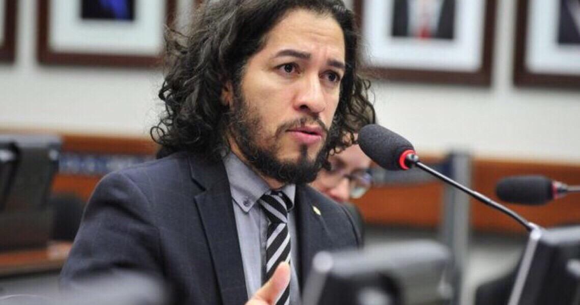 PSOL pede que Alexandre de Moraes investigue fake news contra Jean Wyllys