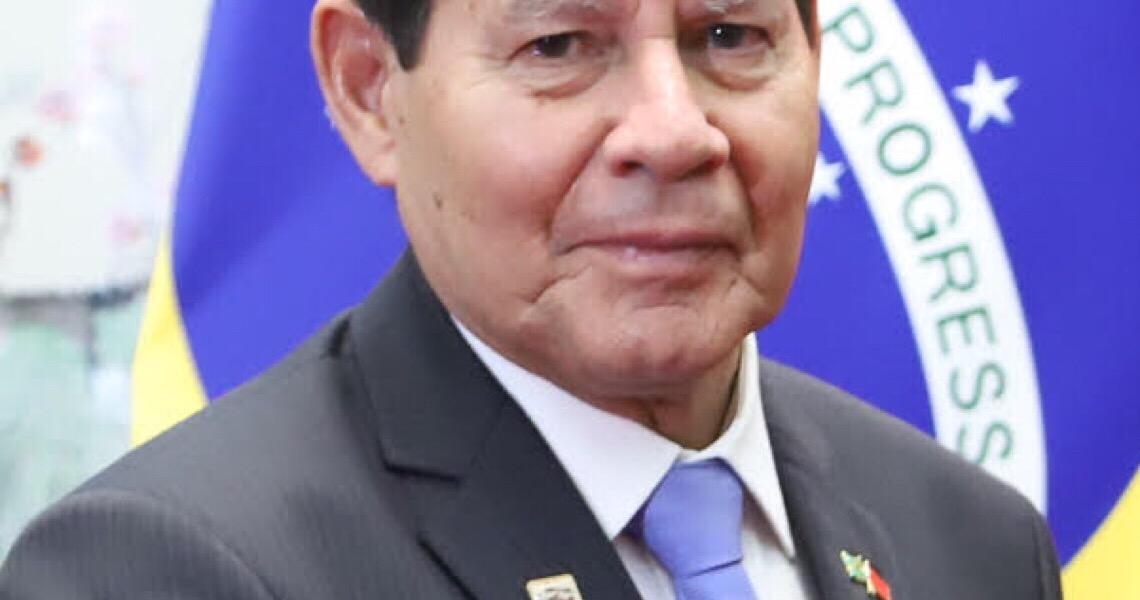 Hamilton Mourão: 'Nenhum país vem causando tanto mal a si mesmo como o Brasil'