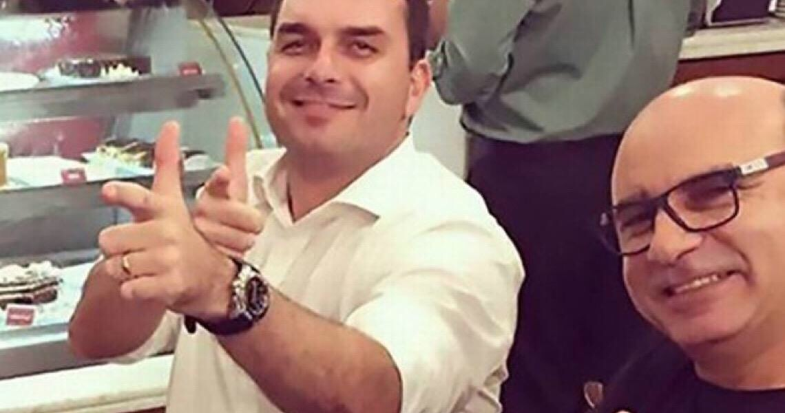 Entenda a suspeita de vazamento na Polícia Federal relacionada a Flávio Bolsonaro e Queiroz