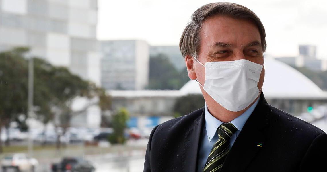 Bolsonaro faz piada idiota no dia em que o Brasil supera mil mortes por Covid-19