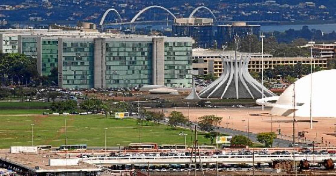 """Ministro da Educação revela seu """"desamor"""" por Brasília"""