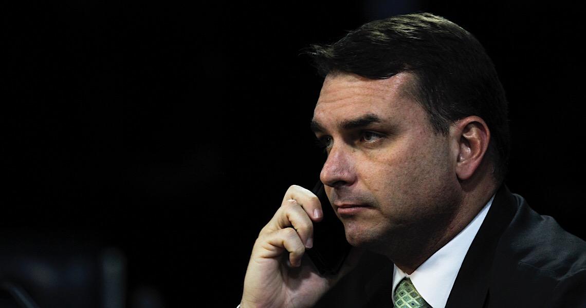 MP rejeita engavetar inquérito de Flávio Bolsonaro