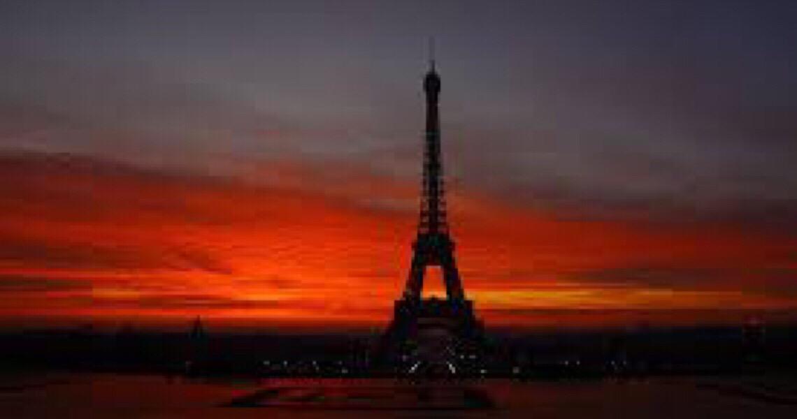 Embarque em uma viagem a Paris sem sair do sofá