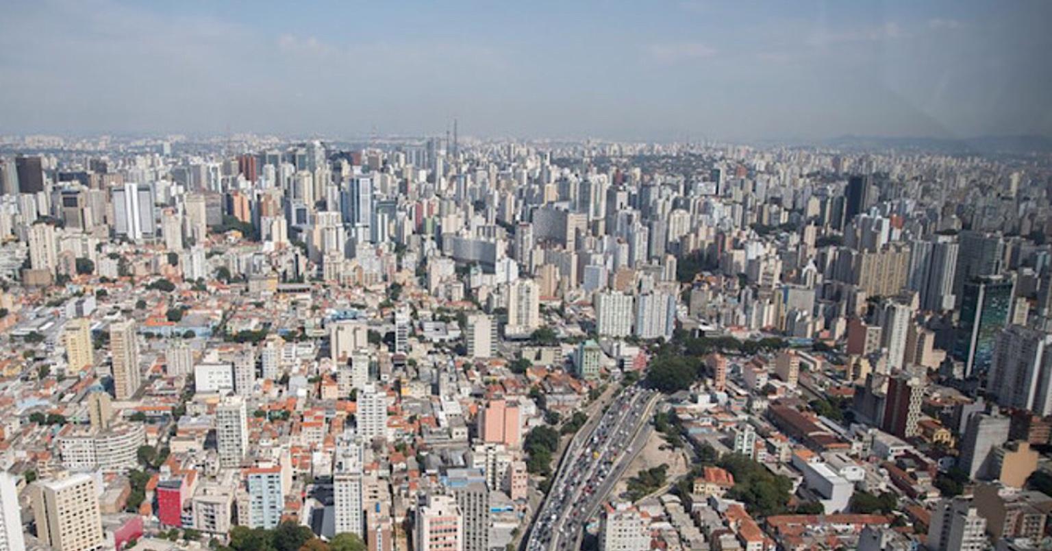 Opas diz que Brasil deve intensificar isolamento social para conter pandemia