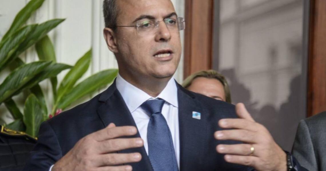Alvo de investigação e buscas, Witzel diz que interferência de Bolsonaro na PF está 'devidamente oficializada'