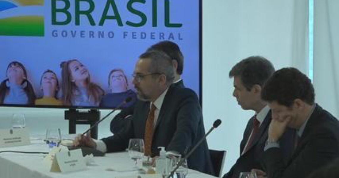 Assessores de Bolsonaro defendem demissão de Weintraub antes de audiência no Senado