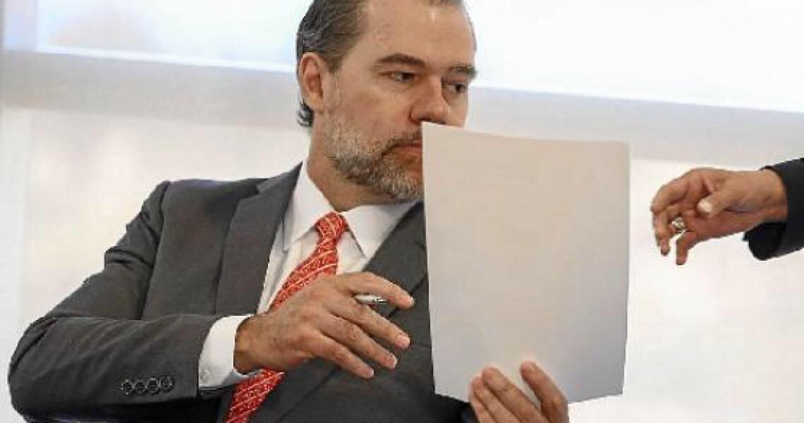 Toffoli pede a Bolsonaro que pare de ter 'atitudes dúbias' em relação à democracia