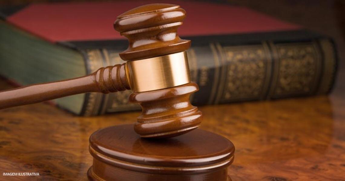 Ex-namorado é condenado à prisão e pagamento de danos morais por perseguição na internet