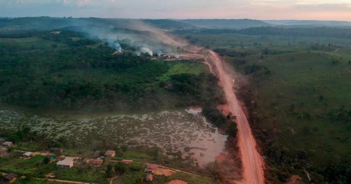 Em meio à pandemia, Amazônia enfrenta ameaça tripla