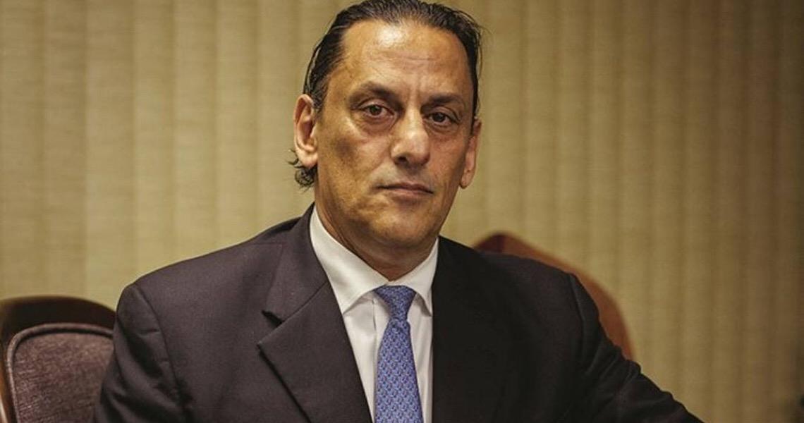Frederick Wassef diz que Flávio e Bolsonaro não sabiam do paradeiro de Queiroz