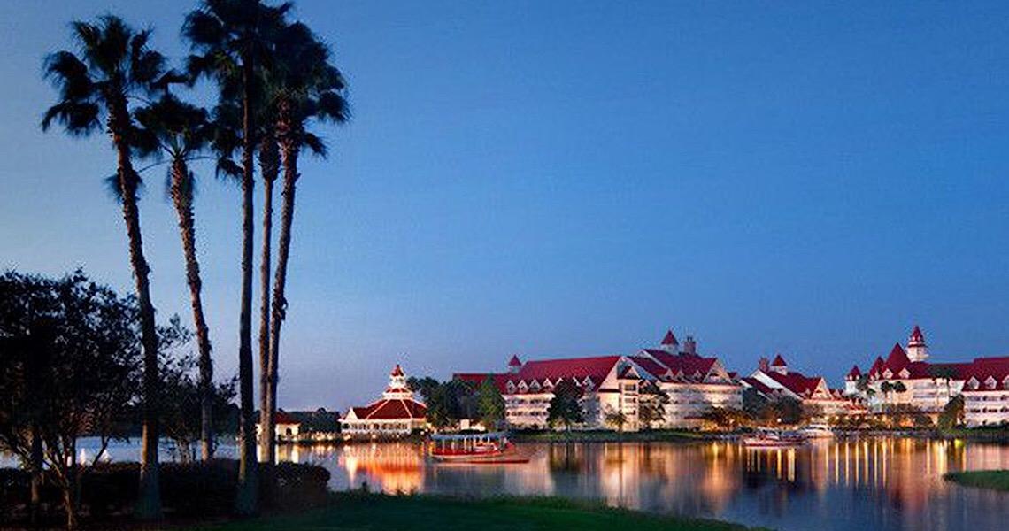 Disney é pressionada a adiar reabertura de parques na Flórida